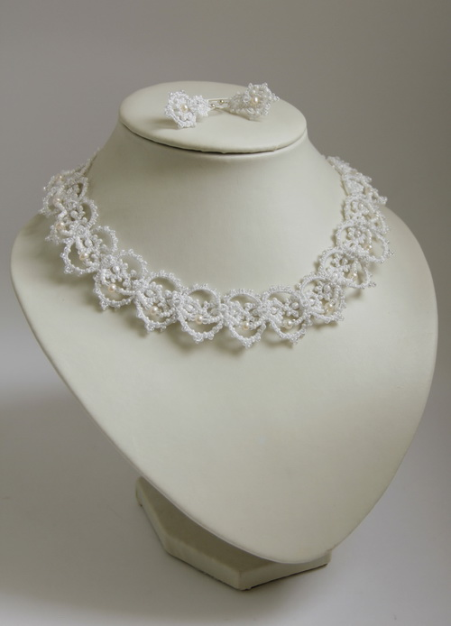 Свадебное ожерелье из бисера и жемчуга - кружево анкарс, фриволите - фото