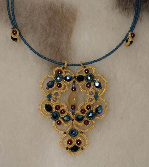 Необычное украшение на шею - анкарс, фриволите