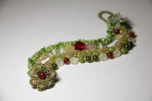 Браслет, серьги, шпильки - яркий комплект украшений ручной работы - фото и работа Дарины Никоновой
