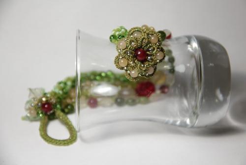 Браслет, серьги, шпильки - необычный набор украшений ручной работы из бисера - фото и работа Дарины Никоновой
