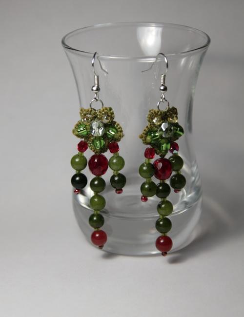 Браслет, серьги, шпильки - зелёный набор украшений ручной работы из бисера и бусин - фото и работа Дарины Никоновой