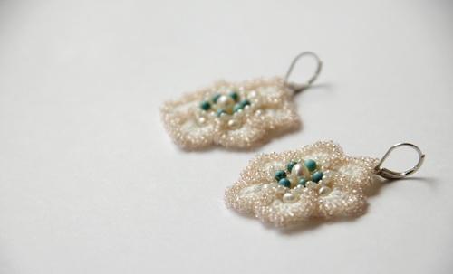 Романтичная Мари - вязаные серьги handmade с жемчугом, бирюзой и японским бисером и бусинами - фото и работа Дарины Никоновой