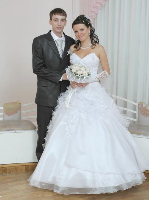 Жених и невеста - украшение для невесты с жемчугом
